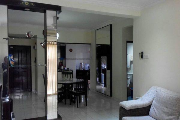 For Sale Apartment at Taman Permai Mas, Batu 9 Cheras Freehold Semi Furnished 3R/2B 380k