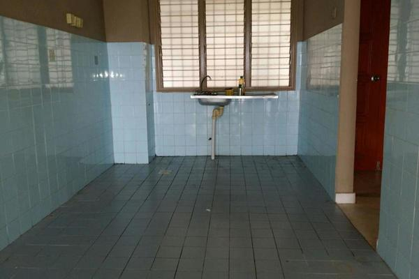 For Sale Condominium at Desa View Towers, Melawati Freehold Semi Furnished 4R/2B 315k