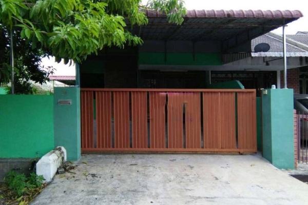 For Sale Terrace at Taman Seri Desa, Ipoh Freehold Unfurnished 4R/2B 260k