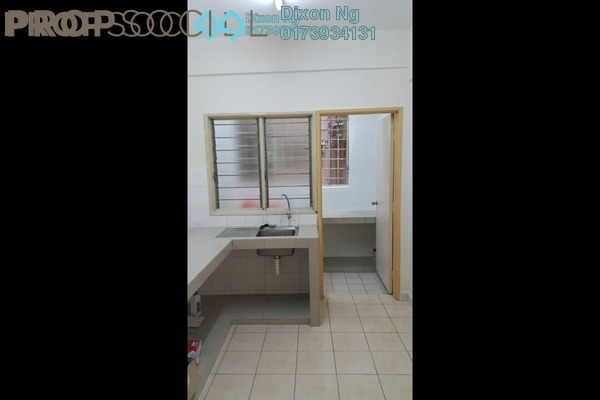 For Sale Condominium at Belimbing Heights, Seri Kembangan Freehold Semi Furnished 3R/2B 330k