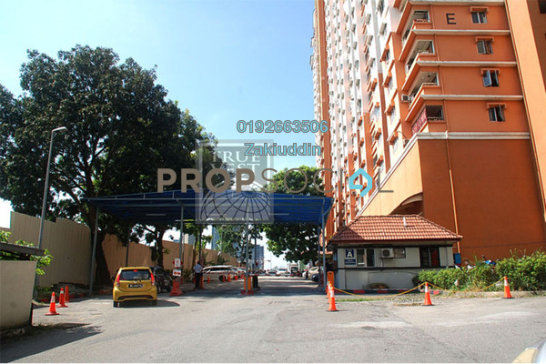 For Sale Condominium at Flora Damansara, Damansara Perdana Leasehold Semi Furnished 3R/2B 230k