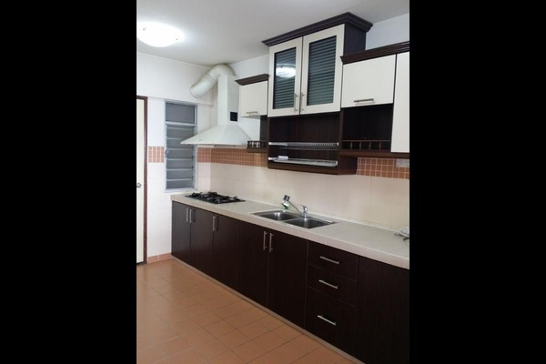 For Sale Condominium at Perdana Exclusive, Damansara Perdana Freehold Semi Furnished 3R/2B 540k