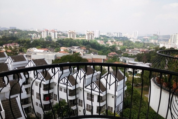 For Sale Condominium at Bukit Robson Condominium, Seputeh Freehold Fully Furnished 2R/2B 690k