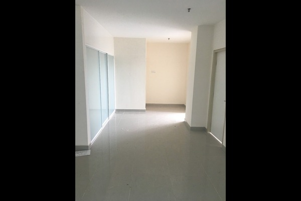 For Sale Serviced Residence at Emerald Avenue, Selayang Freehold Semi Furnished 2R/2B 428k
