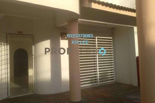 For Sale Terrace at Taman Bukit Desa, Kepong Freehold Semi Furnished 4R/3B 750k