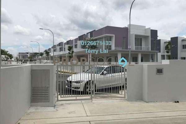 For Sale Terrace at Bandar Tasik Puteri, Rawang Freehold Semi Furnished 4R/3B 650k
