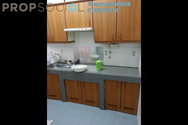 For Sale Terrace at PU8, Bandar Puchong Utama Freehold Semi Furnished 4R/3B 480k