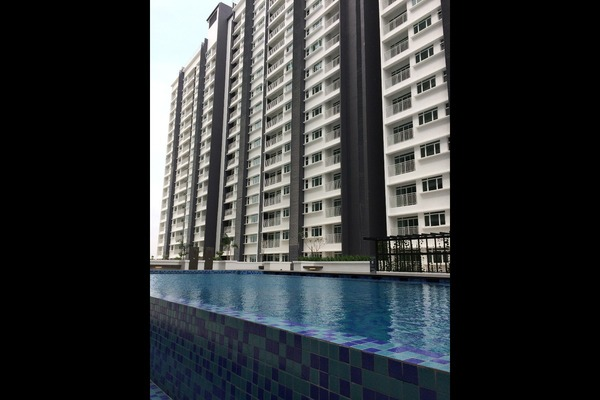 For Rent Serviced Residence at V-Residensi 2, Shah Alam Freehold Semi Furnished 2R/2B 1.3k
