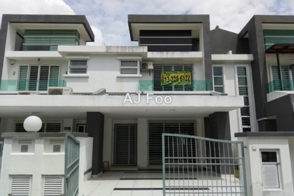 For Rent Terrace at Tiara East, Semenyih Freehold Semi Furnished 4R/3B 2.2k