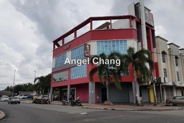For Rent Shop at Taman Kristal, Dengkil  Unfurnished 1R/1B 1k