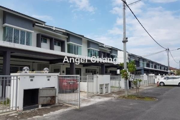 For Rent Terrace at Taman Emas, Dengkil Freehold Semi Furnished 4R/3B 1.4k