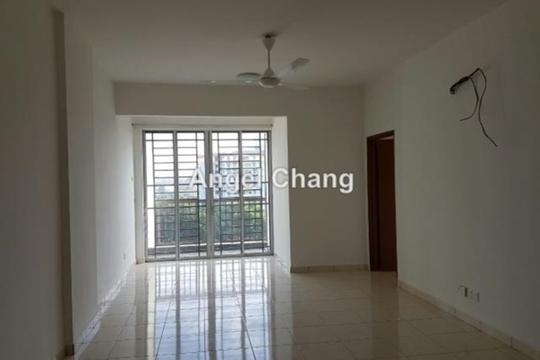 For Rent Apartment at Green Suria Apartment, Bandar Tun Hussein Onn Freehold Unfurnished 3R/2B 900translationmissing:en.pricing.unit