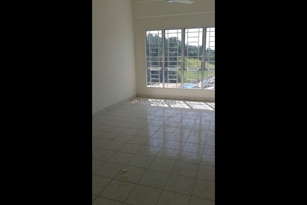 For Rent Apartment at Sutera Apartment, Bandar Tun Hussein Onn  Semi Furnished 3R/2B 850translationmissing:en.pricing.unit