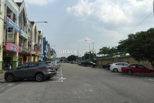 For Sale Shop at Jalan Suria, Bandar Seri Alam Freehold Unfurnished 0R/2B 1.3m