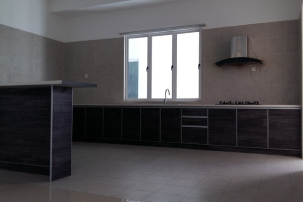 For Rent Condominium at 8 Petaling, Sri Petaling Leasehold Semi Furnished 4R/5B 1.96k