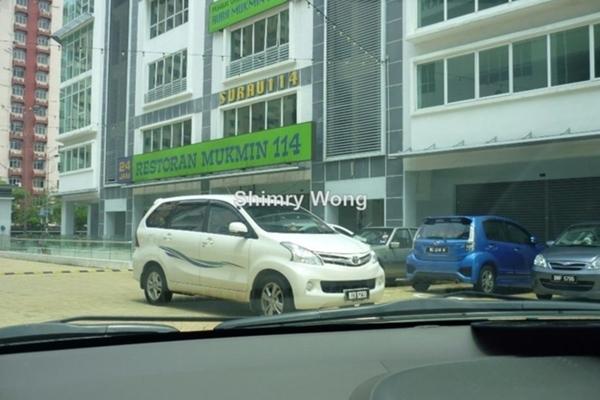 For Sale Shop at OUG Parklane, Old Klang Road Freehold Semi Furnished 3R/2B 4.2m
