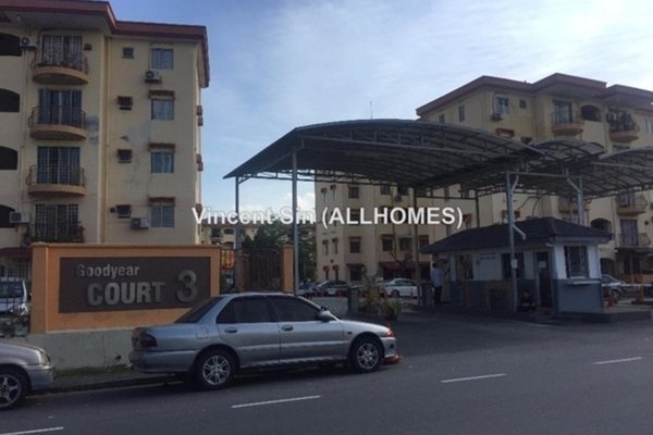 For Sale Apartment at Goodyear Court 3, UEP Subang Jaya Freehold Semi Furnished 3R/2B 350k