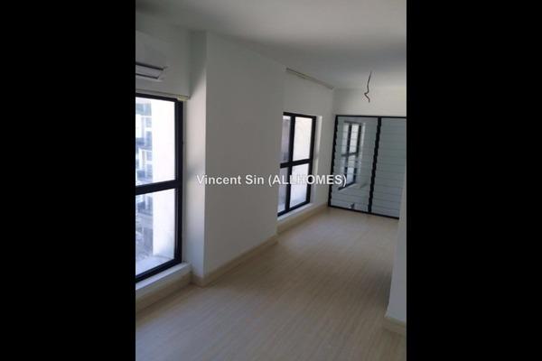 For Rent SoHo/Studio at Empire City, Damansara Perdana Leasehold Semi Furnished 0R/2B 1.4k
