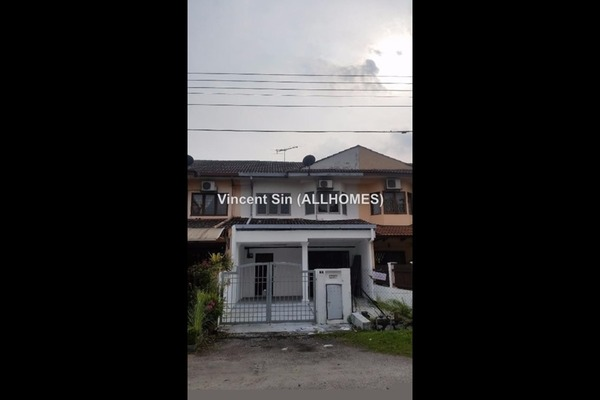 For Rent Link at USJ 3, UEP Subang Jaya Freehold Semi Furnished 3R/3B 1.7k