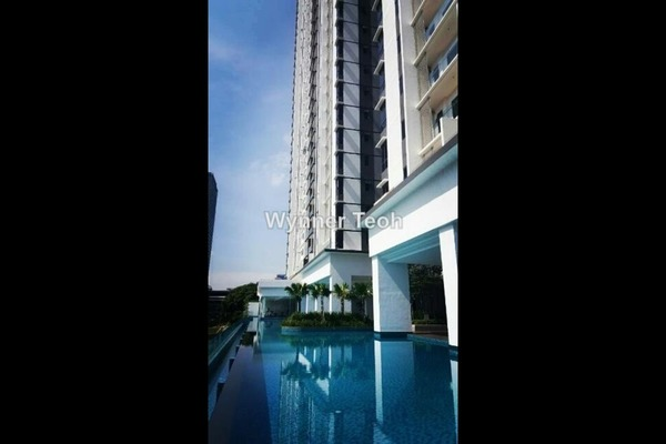 For Sale Serviced Residence at South View, Bangsar South Freehold Semi Furnished 2R/2B 700k