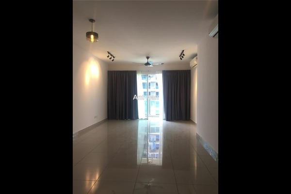 For Sale Serviced Residence at Medalla @ Oasis Corporate Park, Ara Damansara Freehold Semi Furnished 1R/1B 570k
