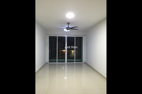 For Rent Serviced Residence at Pacific Place, Ara Damansara Leasehold Semi Furnished 2R/2B 1.6k