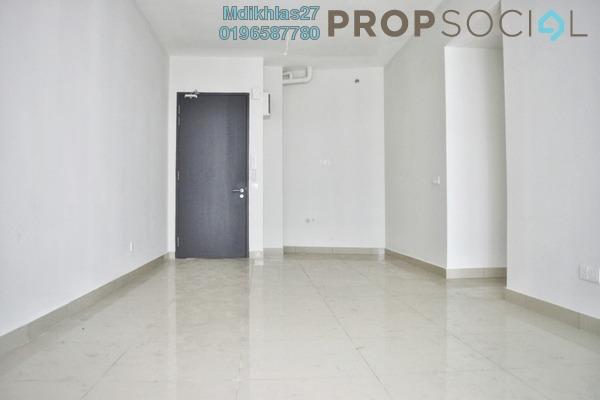 For Sale Condominium at Univ 360 Place, Seri Kembangan Freehold Semi Furnished 2R/1B 345k