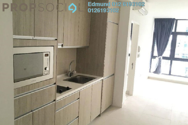 For Rent Condominium at AraGreens Residences, Ara Damansara Freehold Semi Furnished 2R/2B 1.8k