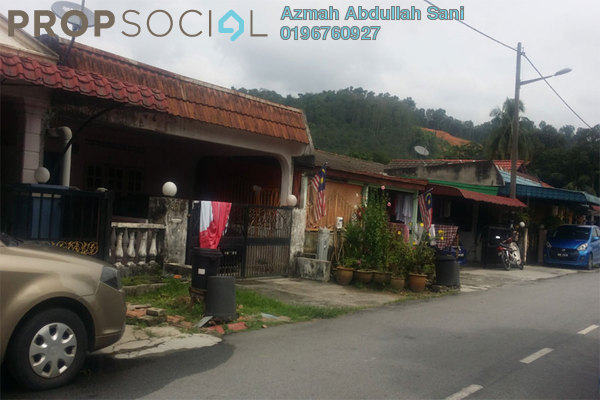 For Sale Terrace at Taman Sri Nanding, Hulu Langat Freehold Semi Furnished 3R/1B 280.0千