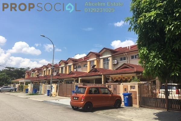 For Sale Terrace at Taman Subang Intan, Subang Freehold Semi Furnished 4R/3B 600k