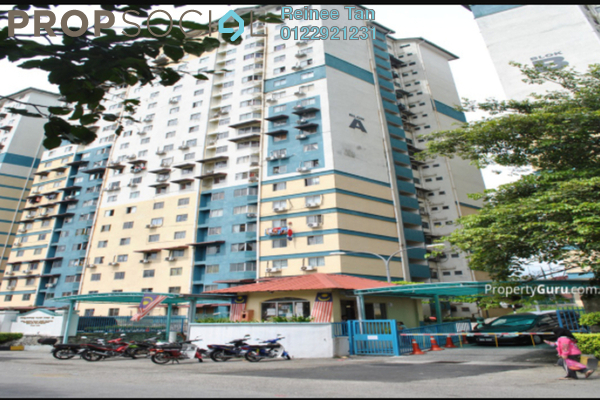 For Sale Apartment at Vista Serdang Apartment, Seri Kembangan Freehold Semi Furnished 3R/2B 230k