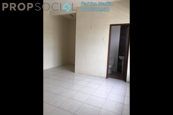 For Sale Terrace at Bandar Saujana Utama, Sungai Buloh Freehold Semi Furnished 4R/2B 399k