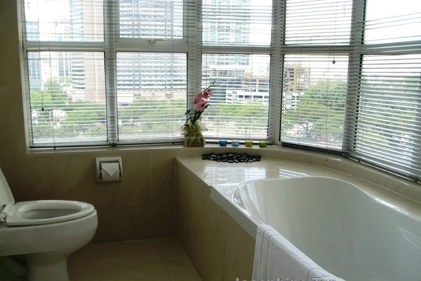 For Sale Condominium at Park View, KLCC Freehold Fully Furnished 1R/1B 680k
