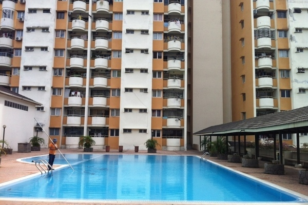 For Sale Condominium at Meadow Park 2, Old Klang Road Freehold Semi Furnished 3R/2B 350k
