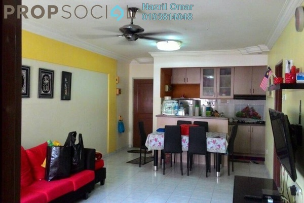 For Sale Apartment at Subang Suria, Subang Freehold Semi Furnished 3R/2B 240k