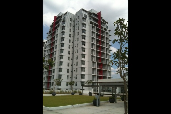 For Sale Condominium at Midfields 2, Sungai Besi Freehold Semi Furnished 3R/2B 538k