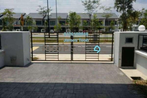 For Sale Terrace at Nafiri, Bandar Bukit Raja Freehold Semi Furnished 4R/3B 788k