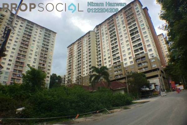 For Sale Apartment at Lakeview Apartment, Batu Caves Freehold Semi Furnished 3R/2B 260k