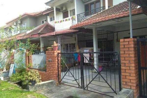 For Rent Terrace at SL7, Bandar Sungai Long Freehold Semi Furnished 3R/3B 1.3k