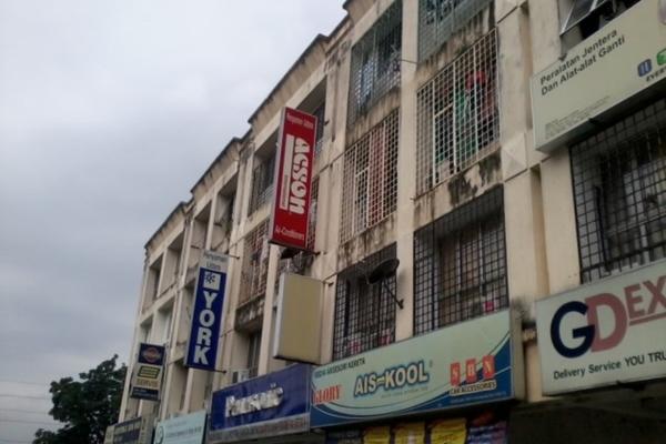 For Sale Shop at Jalan Bandar, Pusat Bandar Puchong Freehold Unfurnished 2R/1B 215k