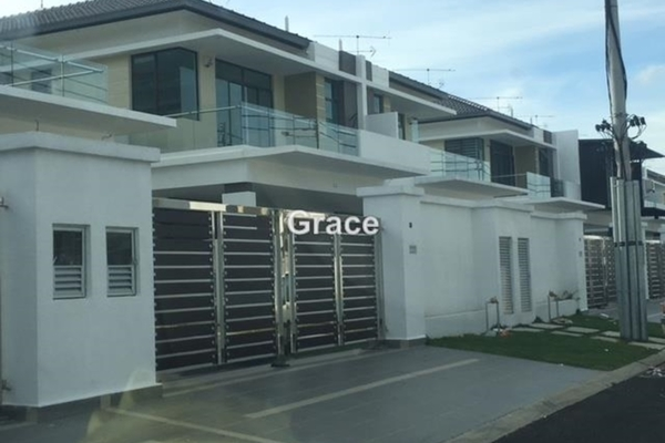 For Rent Terrace at Clover, Bandar Putra  Unfurnished 5R/4B 2k