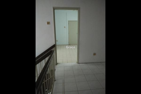 For Rent Terrace at Taman Putri Kulai, Kulai Freehold Unfurnished 4R/3B 328k