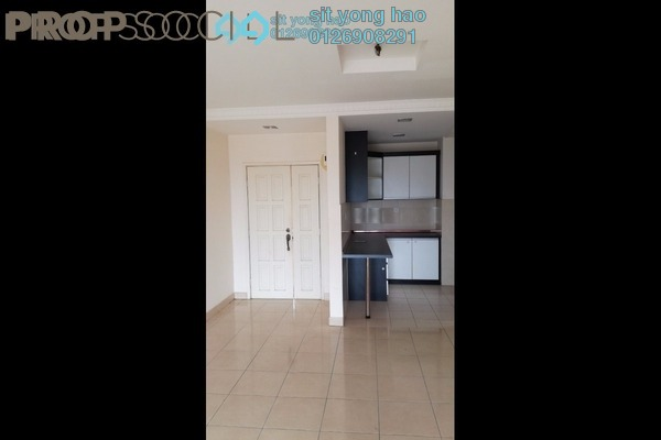 For Sale Condominium at Kristal Heights, Shah Alam Freehold Semi Furnished 3R/2B 389k