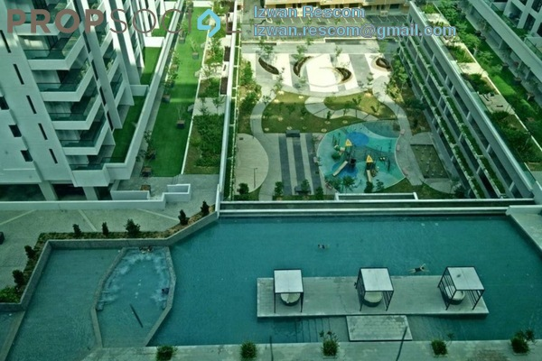 For Sale Condominium at Paragon 3, Bandar Putra Permai Freehold Semi Furnished 3R/3B 800k