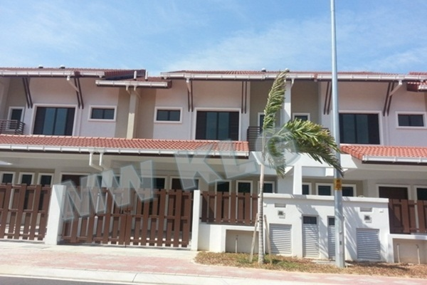 For Sale Terrace at Bayuemas, Klang Freehold Unfurnished 4R/3B 630k