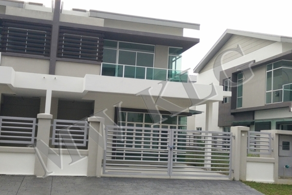 For Sale Semi-Detached at Canary Garden, Bandar Bestari Freehold Unfurnished 5R/5B 948k