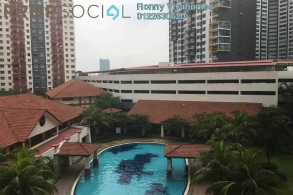 For Sale Apartment at Vista Pinggiran, Bandar Putra Permai Freehold Semi Furnished 3R/2B 286k