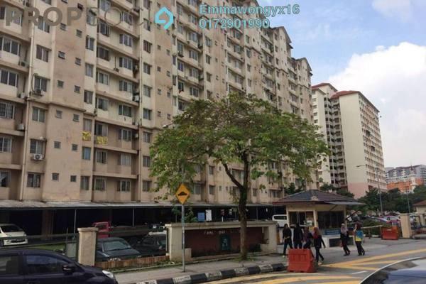 For Sale Apartment at Lestari Apartment, Damansara Damai Freehold Semi Furnished 3R/1B 140k