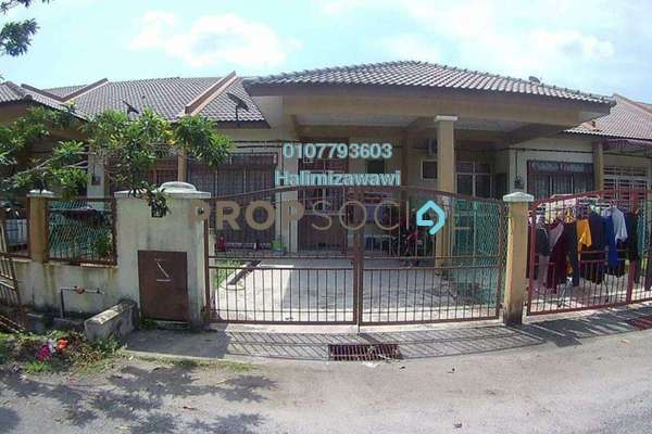 For Sale Terrace at Taman Intan Baiduri, Sepang Freehold Semi Furnished 3R/2B 320k
