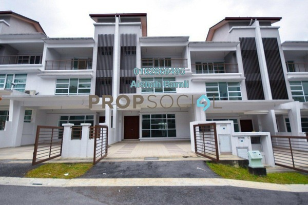 For Sale Terrace at Taman Pinggiran Putra, Bandar Putra Permai Freehold Unfurnished 5R/4B 980k